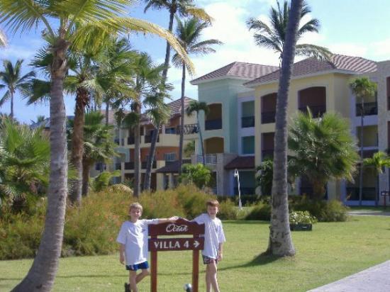 Ocean Blue & Sand: Our villa at Ocean Blue