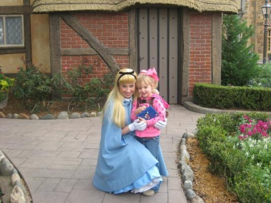 Epcot: bryanna with alice, (alice in wonderland!)