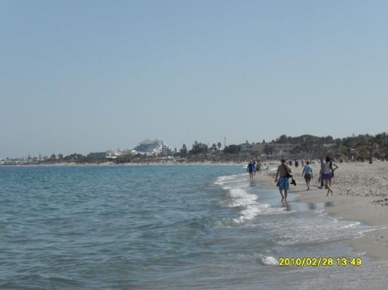 Port El Kantaoui, Tunisia: Water still pretty cold but weather warm
