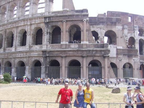 Colosseum: CON MI GENTE EN ROMA