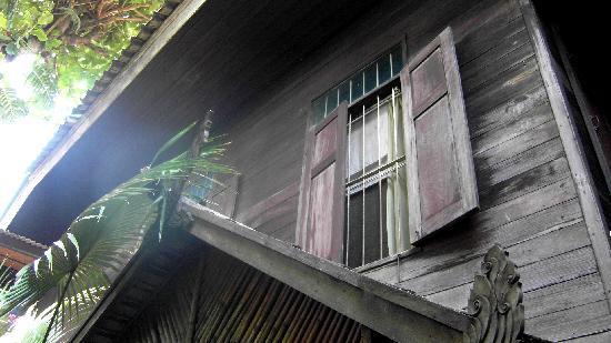 C&C Teak House: maison thai du 19ème siècle