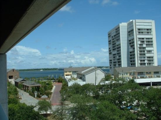 Charleston, SC: 6th floor across from the Aquarium