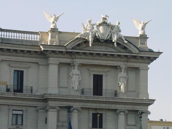 Piazza della Repubblica: More details of the Exterior