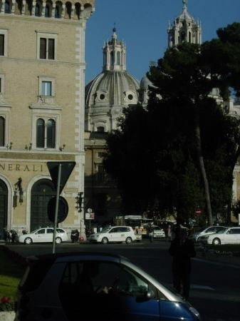 National Museum of Palazzo Venezia: A great view of the city from a local bus: Venetia Palace