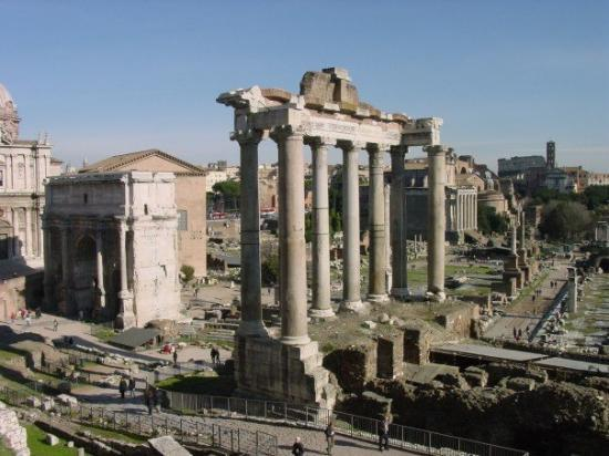 Palatine Hill: Remains of the Temple of Saturn