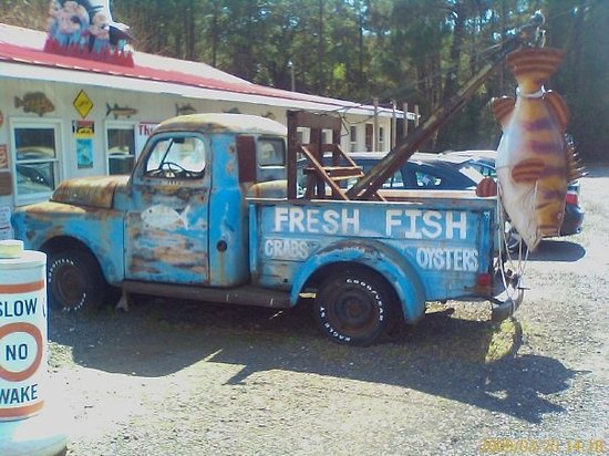 Litchfield Beach Fish House: I want this truck so bad...