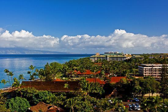 Royal Lahaina Resort: View from Hotel Room Balcony