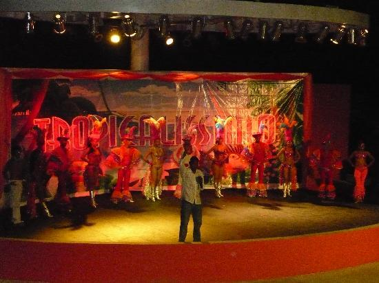 Royal Decameron Mompiche: Teatro, show nocturno
