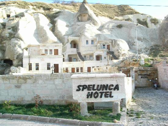 Spelunca Cave Suites: Exterior del hotel