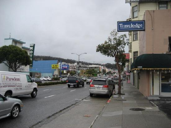 Travel Inn: Lombard Street in front of motel