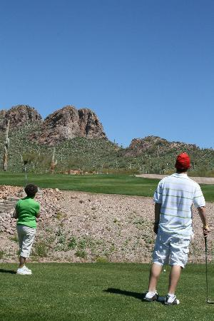 Gold Canyon Resort - Sidewinder Golf Course : Looking up at 18th hole
