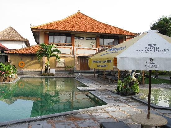 Inna Sindhu Beach: The pool and front wing of the Hotel