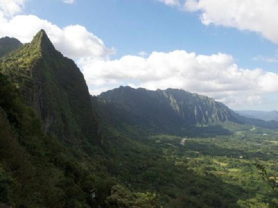 Nuuanu Pali Lookout: More View