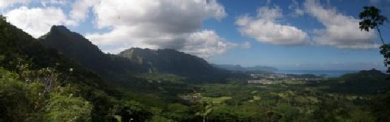 Nuuanu Pali Lookout: Pali View