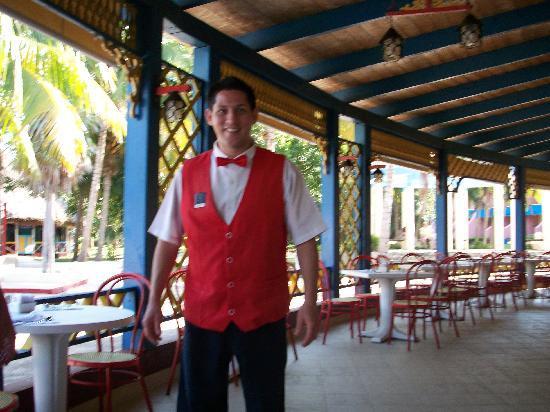 Brisas del Caribe Hotel: Our excellent waiter at Brisas