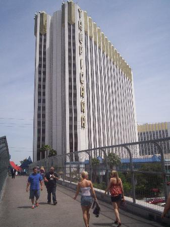 Tropicana Las Vegas - A DoubleTree by Hilton Hotel: this is the full lenght photo of hotel we stayed