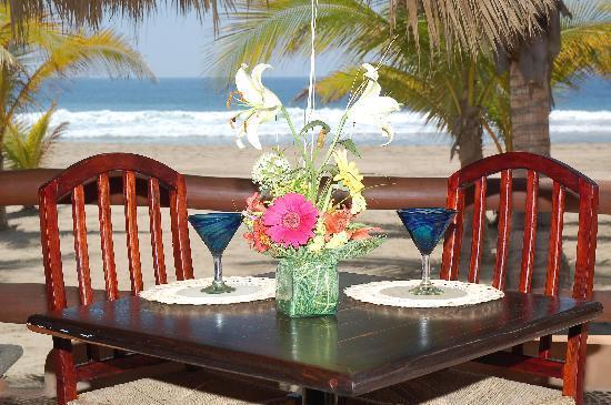 Puerta Paraíso Hotel Boutique : La Marea, Restaurant, Bar & Lounge