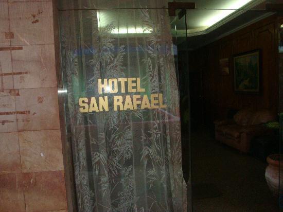 Hotel San Rafael: Hotel Entrance