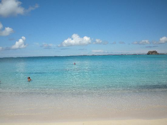 Grand Case Beach Club: Creole Rock