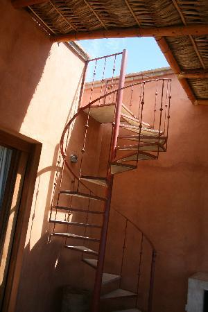 Rancho Pescadero : spiral staircase from deck to private roof
