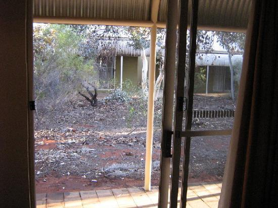 Outback Pioneer Hotel & Lodge, Ayers Rock Resort: Our room 2.