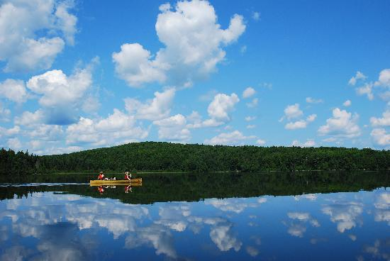 Algonquin Provincial Park, Canada: Paddling a Swift Kipawa on Manitou Lake in Algonquin Park