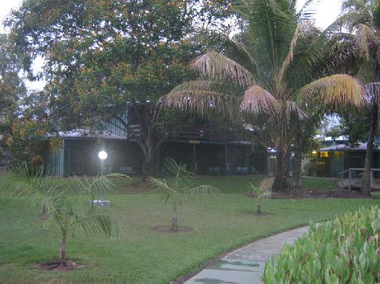 Aurora Kakadu Resort: Grounds.