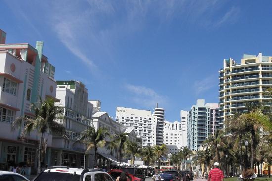 Art Deco Tours: South Beach's Ocean Drive