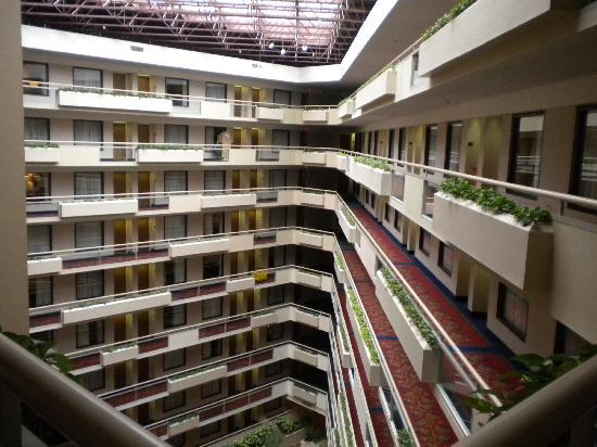 Embassy Suites by Hilton Atlanta - Galleria: View of rooms (all doors are interior)