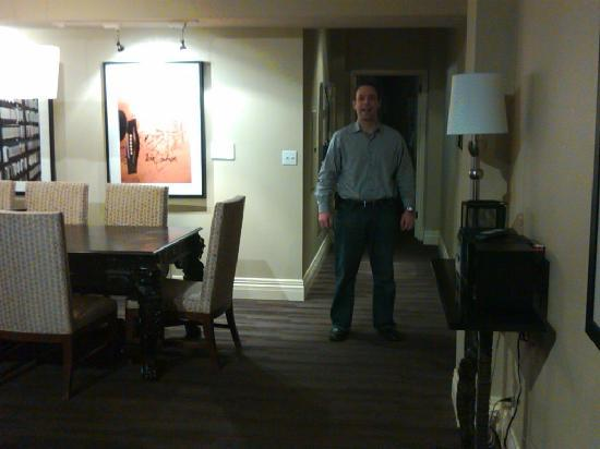 Kimpton Alexis Hotel: my husband in our room