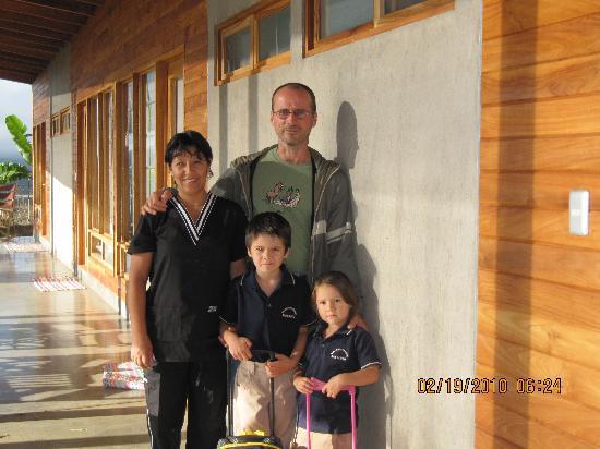 Casa Amanecer B&B: Chris & family