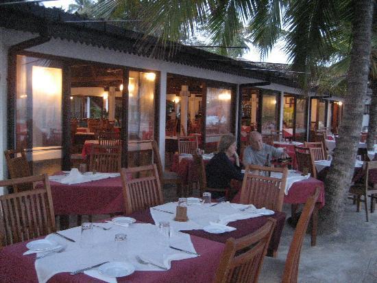 Paradise Beach Club: hotel's restaurant
