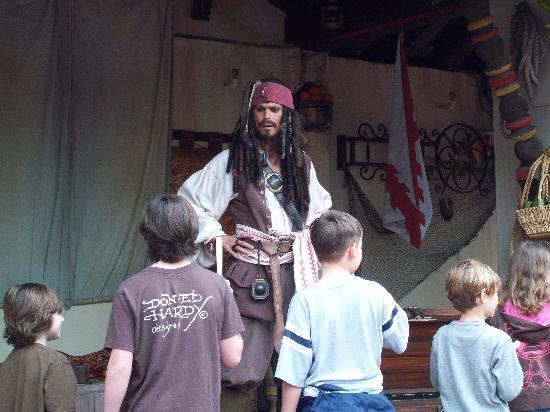 Magic Kingdom: Jack Sparrow con los niños