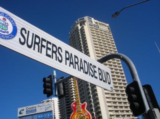 Guitare du Hard Rock Café sur Surfers Paradise Boulevard