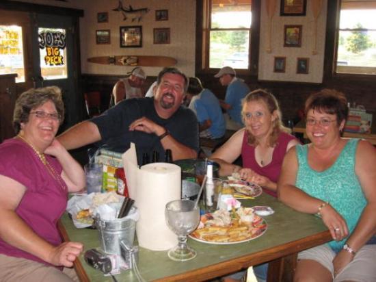 Kansas City, MO: The crew at Joe's Crab Shack!