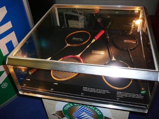 Birmingham, UK: vývoj badmintonových raket