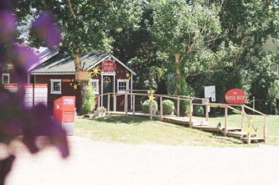 Drumheller, Canada: The Rosehip, a lovely craft store.