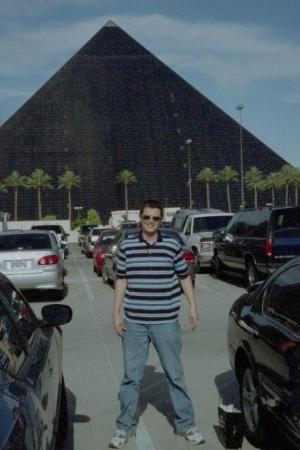 Luxor Hotel & Casino: In front of the Luxor