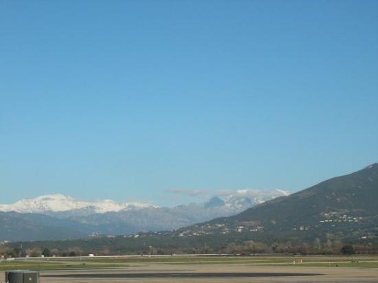 Ajaccio, Frankrike: Snowy montains