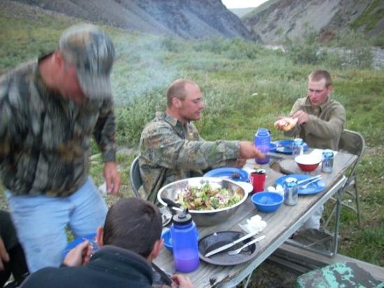 Healy, AK: Dinner off an outhouse door!
