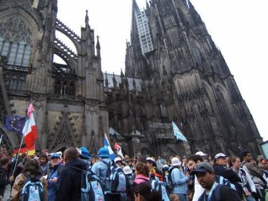 Cologne-katedralen: Frente al DOM