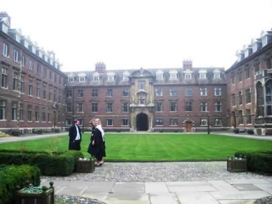 Cambridge, UK: Con el uniforme del cole