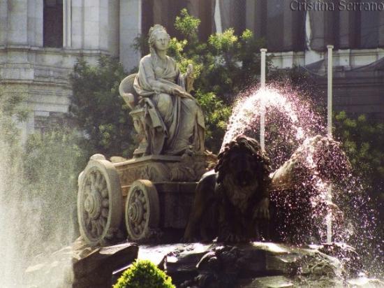 Fuente de Cibeles: Cybele's Fountain (Fuente de la Cibeles)