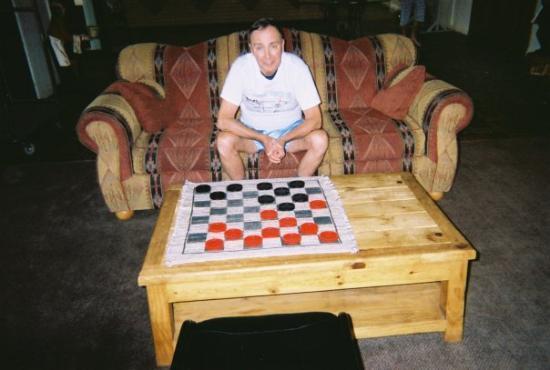 Estes Park, CO: Game of checkers anyone?