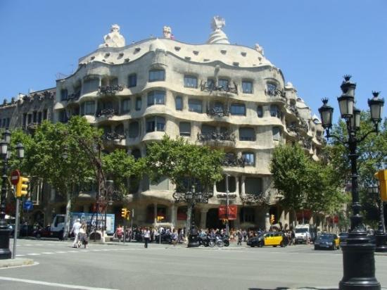 Casa Mila: Casa Milà by Gaudí