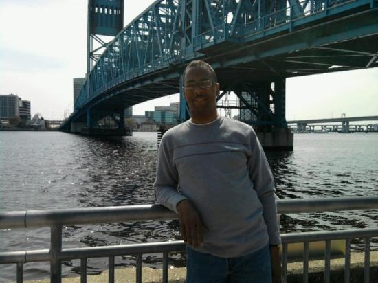 Jacksonville Landing: Lol...I Believe this is the Blue Bridge at the Lading Mall in Jacksonville
