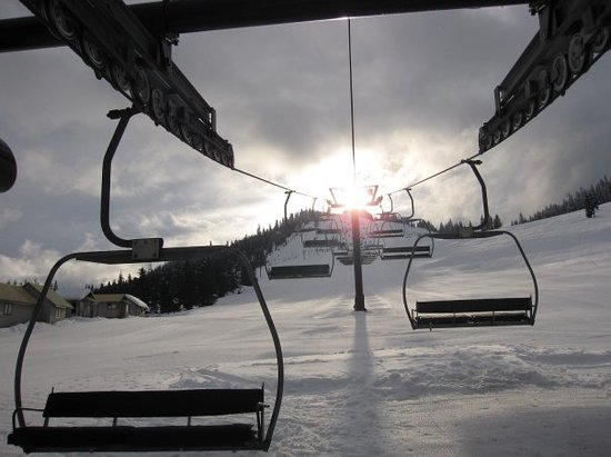 Summit at Snoqualmie (Ski and Snowboard Area)