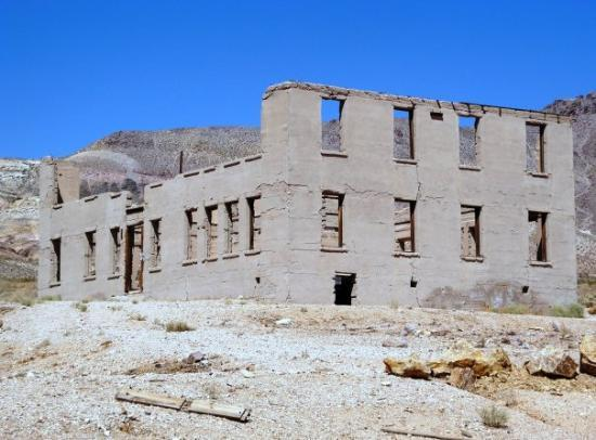 Pahrump, NV: somewhere in the NV deseret 10/2009 (Rhyolite Ghost town)