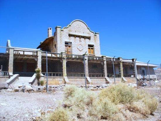 Pahrump, NV: somewhere in the NV deseret 10/2009 (Rhyolite Ghost town) the old train station
