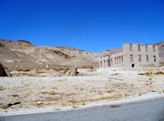Pahrump, NV: somewhere in the NV deseret 10/2009 (Rhyolite Ghost town) approaching the bank